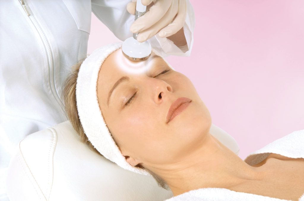 Luxe Science Institute Energy therapies reduce wrinkles, build collagen and tighten skin.